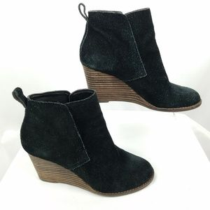 "Lucky Brand black suede wedge ""Yoniana"" size 6M"